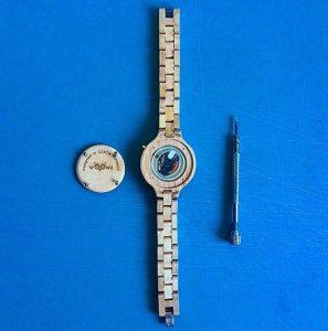dřevěné hodinky woowa balení wooden watches backside detail open