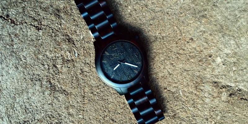 dřevěné hodinky woowa orloy ebony