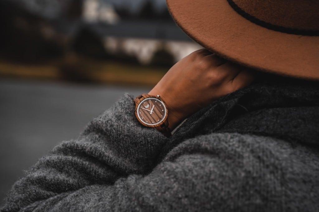 Dámské dřevěné hodinky Nikki Zebrano působí na ruce velice elegantně