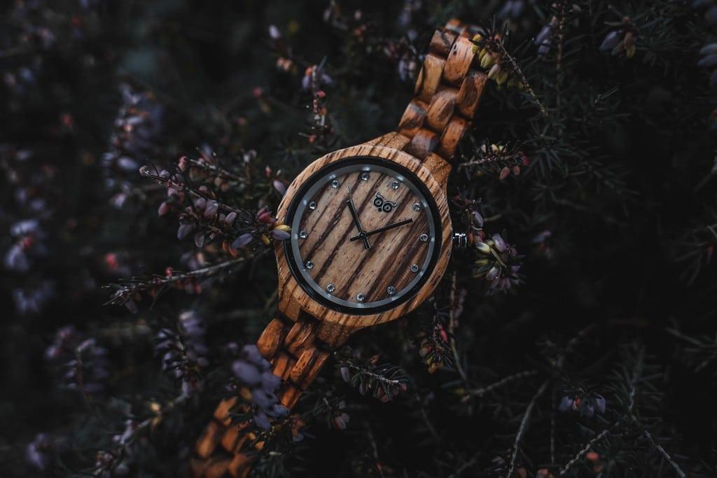 Dřevěné hodinky Woowa Nikki Zebrano jsou vhodné pro ženy